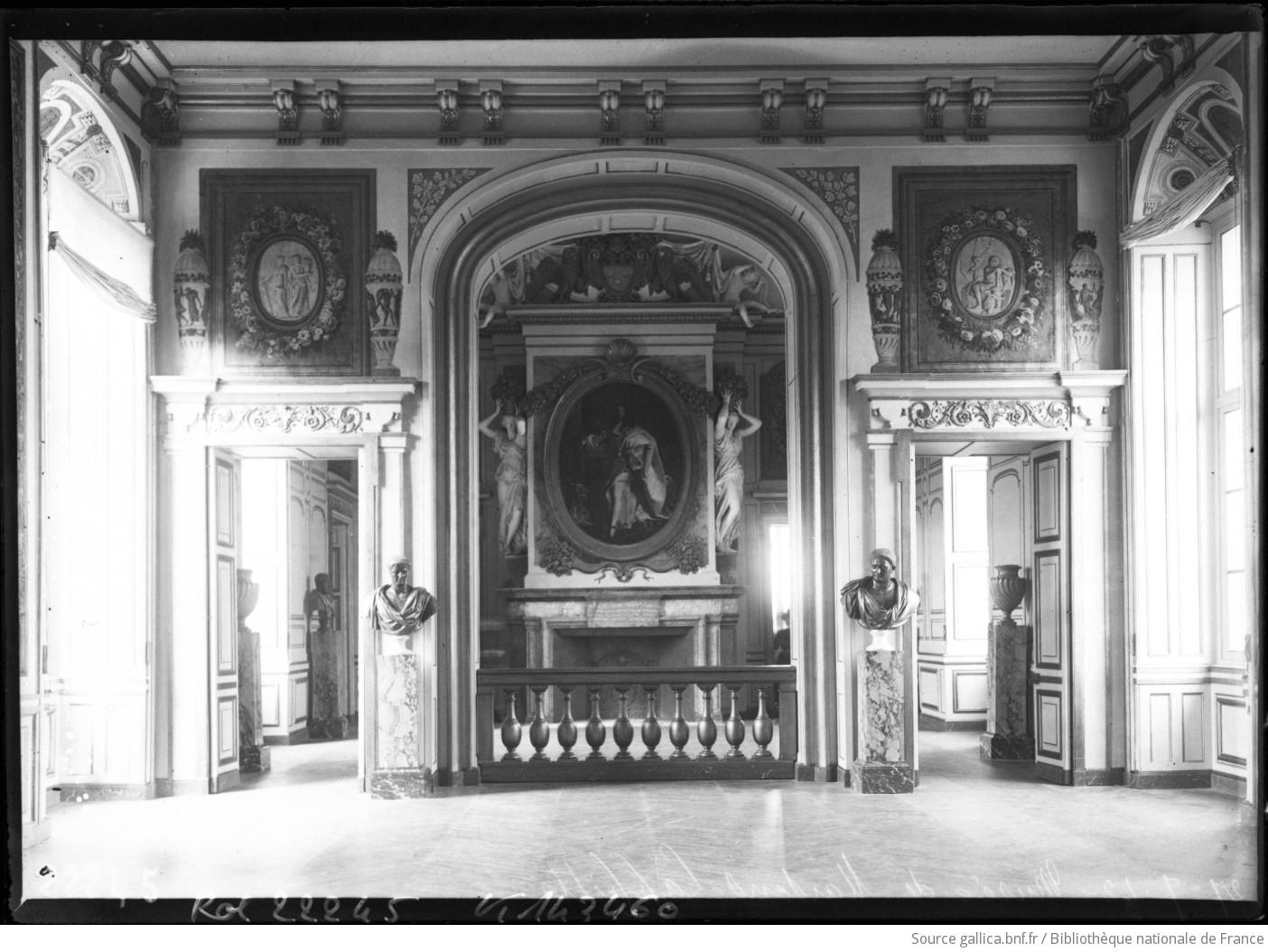 26-7-12, musée de Maisons-Laffitte [salon d'Hercule] : [photographie de presse] / [Agence Rol] - 1