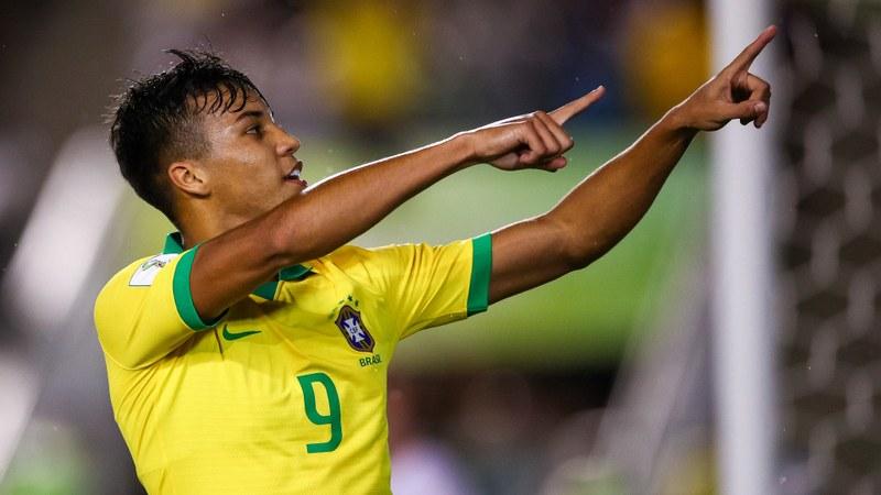 Brasil vence Nova Zelândia por 3 a 0 no Estádio Bezerrão, no Gama