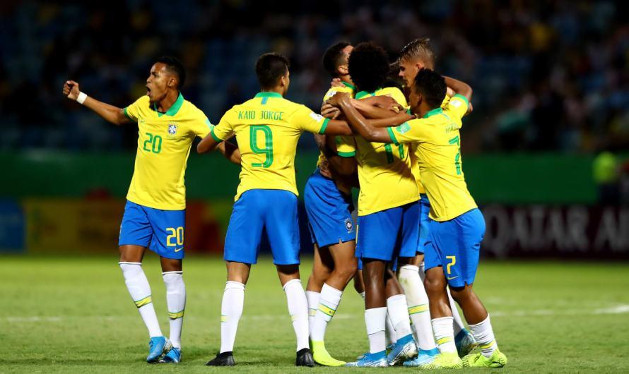 Brasil despacha Angola 2-0 em Goiânia com golaço Verón