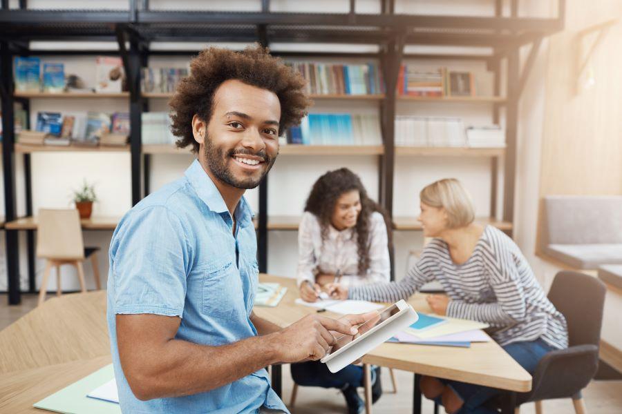 Estudantes de instituições do ensino superior privadas são a maioria na avaliação do Enade 2019