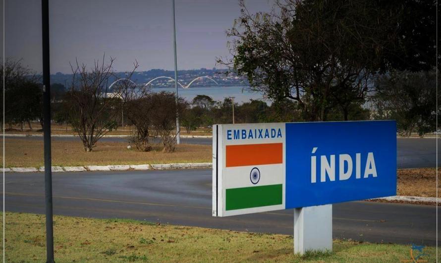 Embaixador da Índia recebe jornalistas para jantar casual em Brasília