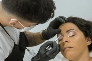 Senac-DF participa de casamento comunitário com serviços de beleza para os casais