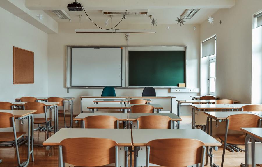 Metas para erradicar analfabetismo não estão sendo cumpridas, aponta relatório