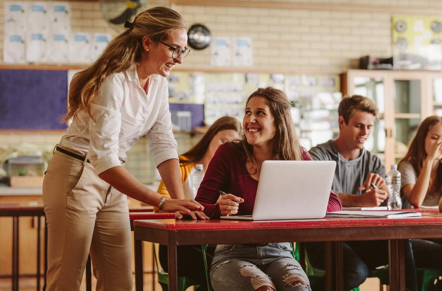 Desafio Criativos da Escola 2021 premia projetos estudantis de impacto social