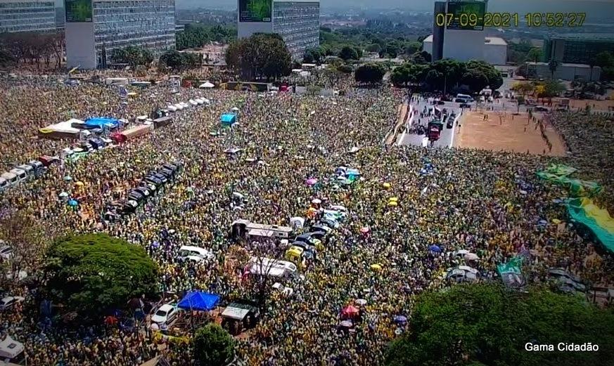 Liberdade, Pátria e Soberania: Presidente Jair Bolsonaro escuta a voz do povo e anuncia reunião do Conselho da República