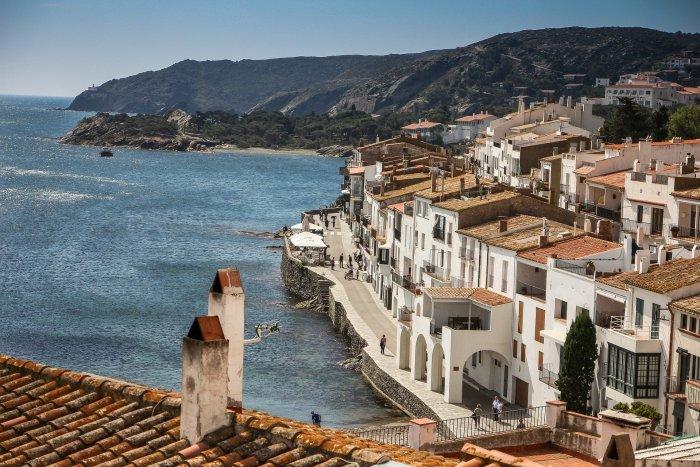 Каталония – богатый прибрежный регион Испании, славящийся мягким климатом, живописными пейзажами и невероятно обширным выбором вин.