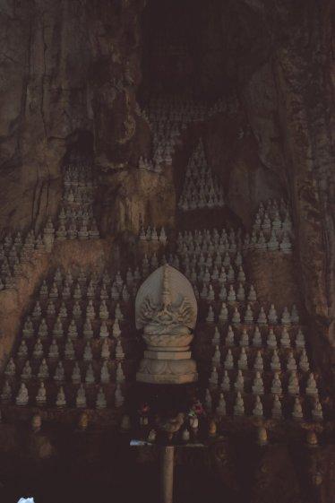 Sehr viele Figuren im Marble Mountain