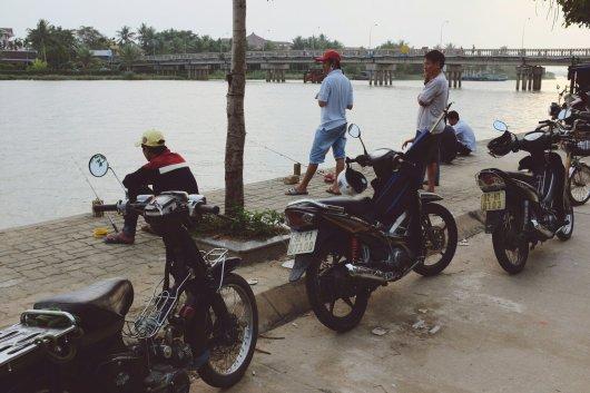 Angler am Fluss