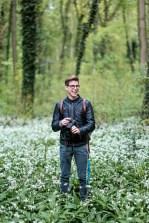 Fotograf im Bärlauch