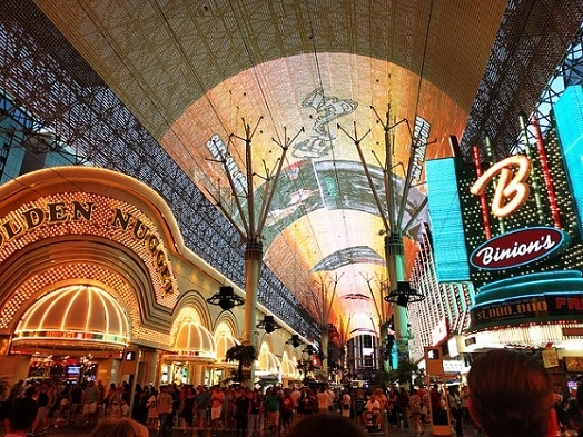 The Fremont Street Light Show Starts at Dusk