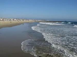 Newport Beach is 273 miles from Las Vegas
