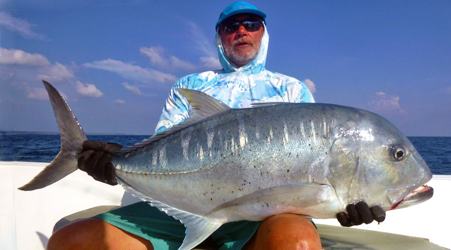 giant-trevally_popping_andaman_sea-rapture-srgs-83h-rod_biomaster-10000-reel_keith