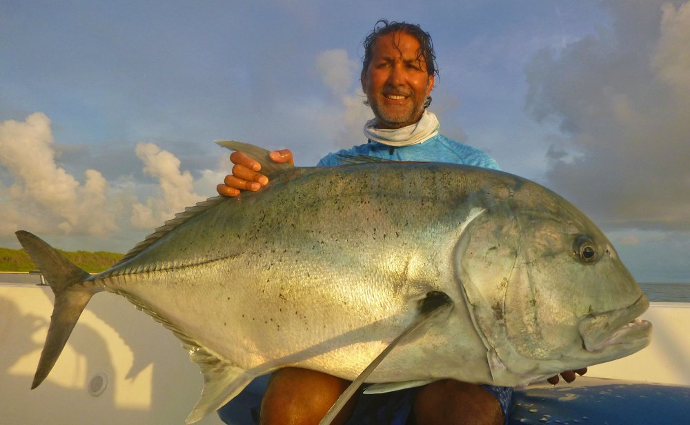 no-4_giant-trevally_fishing_popping_andaman_shimano-stella_gamefishingasia_boat_big-fish_42kg