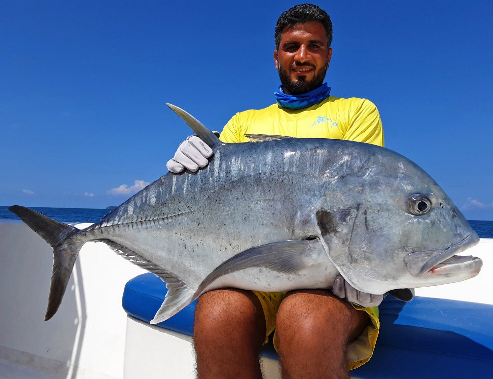 no-7_giant-trevally_fishing_popping_andaman_shimano-stella_gamefishingasia_boat_big-fish_20kg