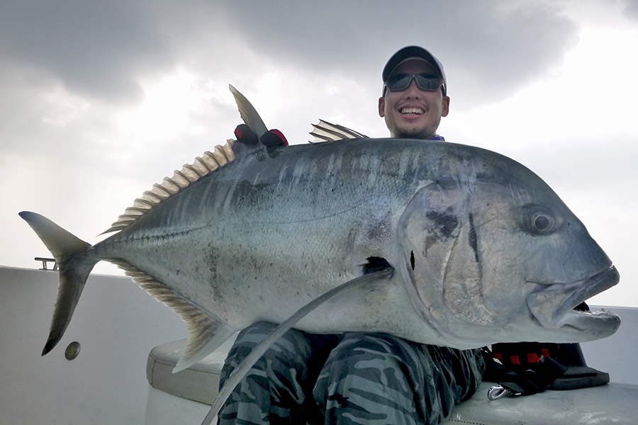 1_giant-trevally_popping_andamans_fishing_shimano-stella-reels_carpenter-rods_blaze-garage-lures-alwyn-tan