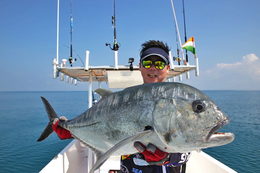 giant-trevally_popping_andaman_ns-blackhole-s83-boca-rod_daiwa-expedition-8000h-reel_jinil