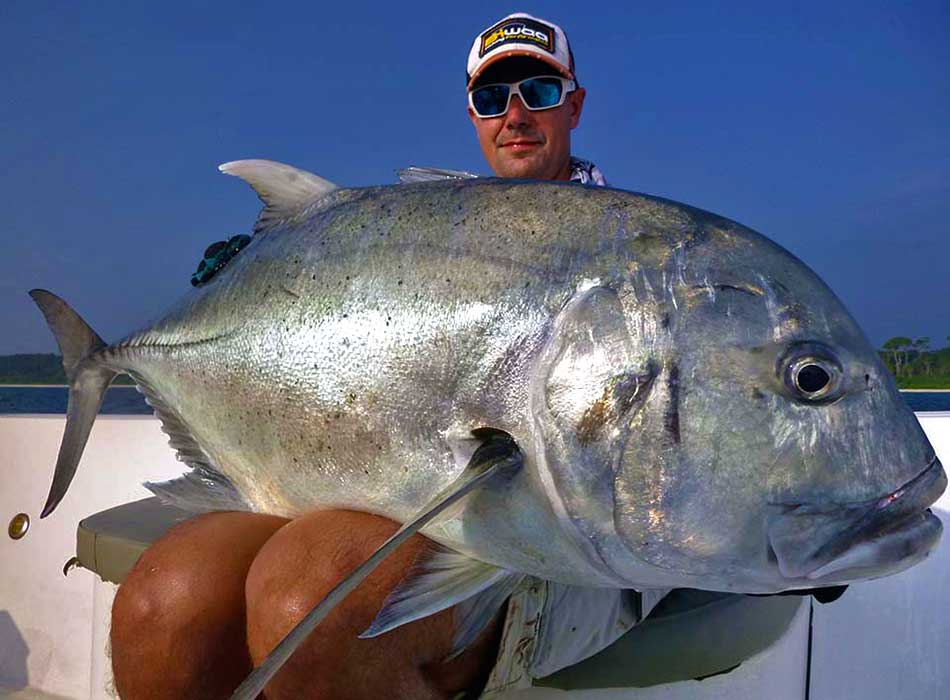 giant-trevally_popping_andaman_yamaga-blanks-blue-reef-chugger-rod_daiwa-saltiga-7000-dogfight-reel_alexandre