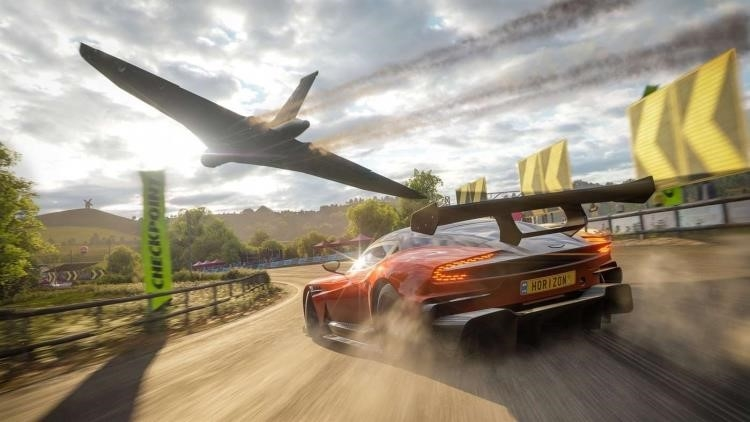 The world of Forza Horizon 4 is comparable in size with Australia in