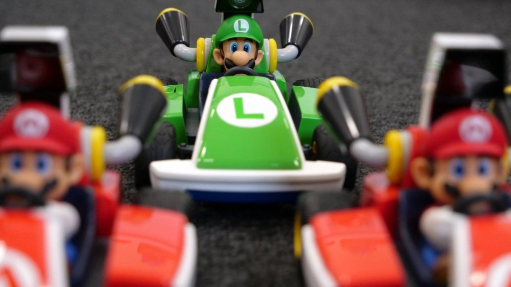 PSA: You Can Play Mario Kart Live Outside, But We Wouldn't Recommend It