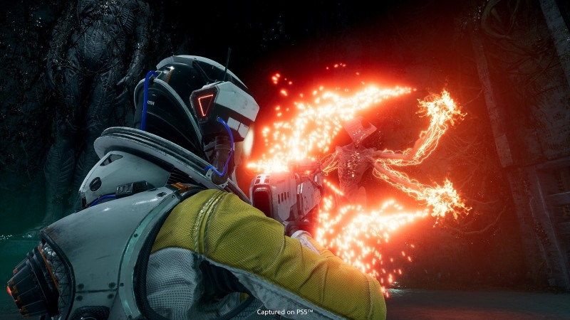 Returnal's New Trailer Spotlights Its Sci-Fi Weaponry And Combat