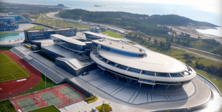 oficinas-del-estudio-netdragon-tienen-la-forma-de-la-uss-enterprise-star-trek-china-1