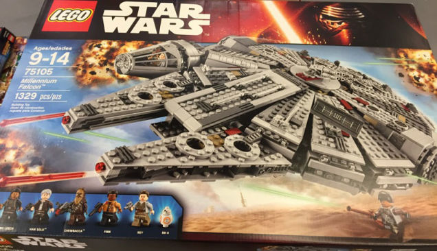 star-wars-the-force-awakens-sets-lego-filtracion-nuevo-x-wing-millenium-falcon-2
