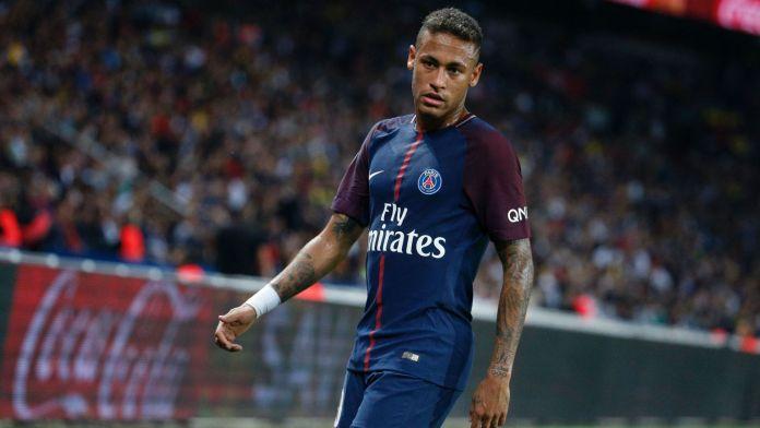 Neymar em ação pelo PSG na liga dos campeões