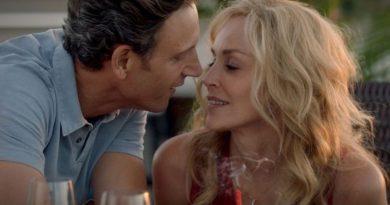 Happy Birthday Ein Geburtstag zum Verlieben Gewinnspiel Blu-ray Heimkino Sharon Stone Test Review Kritik DVD Kuss