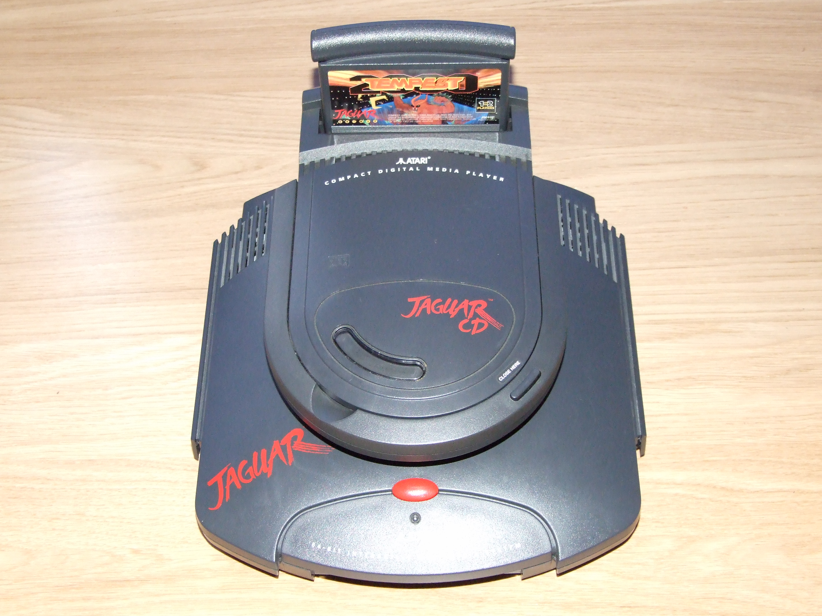 The Jaguar + Jaguar CD with a cartridge slot at the back, or as I like to call it, the toilet formation!