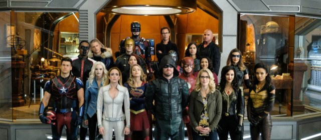 Comienza el súper crossover entre Flash, Arrow y Supergirl