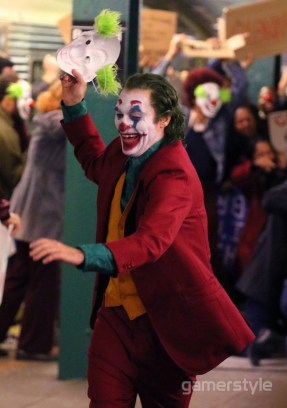 Joker Joaquin Phoenix Bronx Station (4)