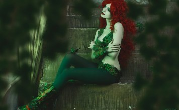 poison-ivy-cosplay-06 Games & Geeks - TagDiv