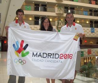 Madrid 2016 Team (Bid CEO Mercedes Coghen, centre) in Beijing