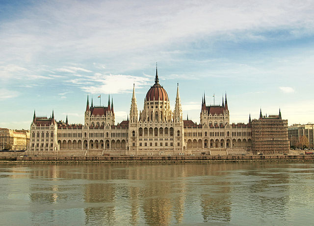 2016 Top 10: #10 Budapest 2024 Dodges Referendum 'Threats' Throughout Year