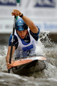 Tony Estanguet, riding for the gold medal at the 2006 World Championships in Prague, will lead the Paris 2024 Olympic Bid (Wikipedia Image)