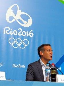 Los Angeles Mayor Eric Garcetti discusses LA 2024 Olympic bid in Rio (GamesBids Photo)