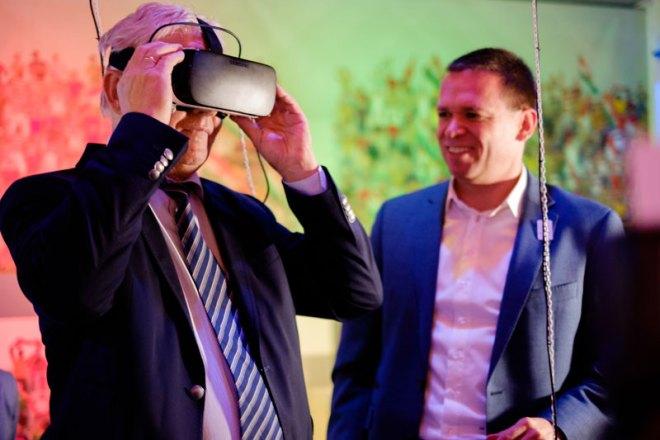 István Tarlós, Mayor of Budapest, takes a Virtual Reality tour of the Budapest Aquatics Centre with Balázs Fürjes, Chairman of Budapest 2024