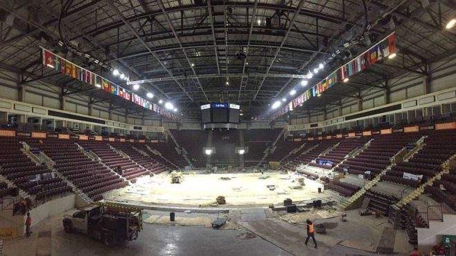 Windsor 2016 FINA World Swimming Championships organizers remove temporary pool that was installed in ice hockey arena for the event (Windsor 2016 Photo)