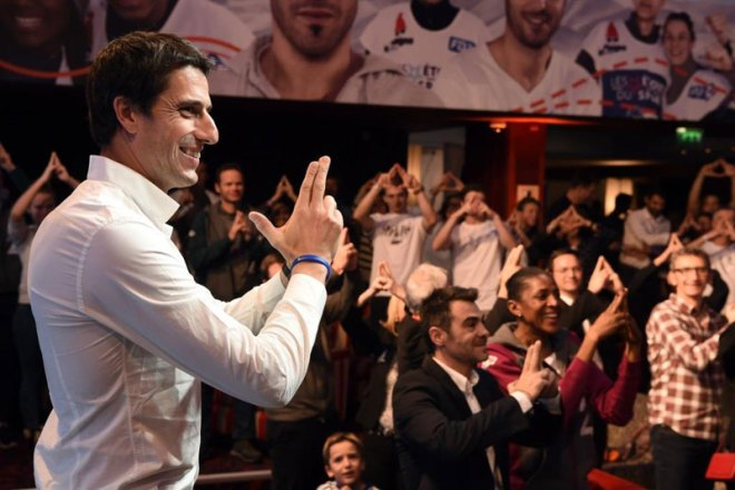Paris 2024 Co-Chair Tony Estanguet Shines Focus of Etoiles du Sport on Olympic Bid (Paris 2024 Photo)