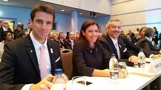 Paris 2024 bid delegation waiting to present to International Federations at Sport Accord Convention in Aarhus, Denmark (L to R) Co-Chair Tony Estanguet, Paris Mayor Anne Hidalgo, Chief Etienne Thobois (Paris 2024 Photo)