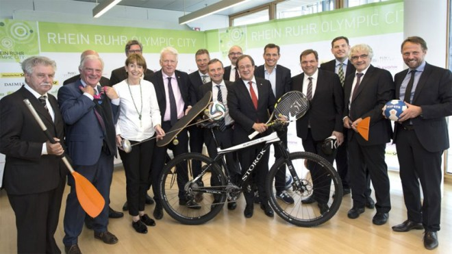 Government officials unveil the Rhein Ruhr Olympic City 2032 Olympic bid concept (RROC Photo)