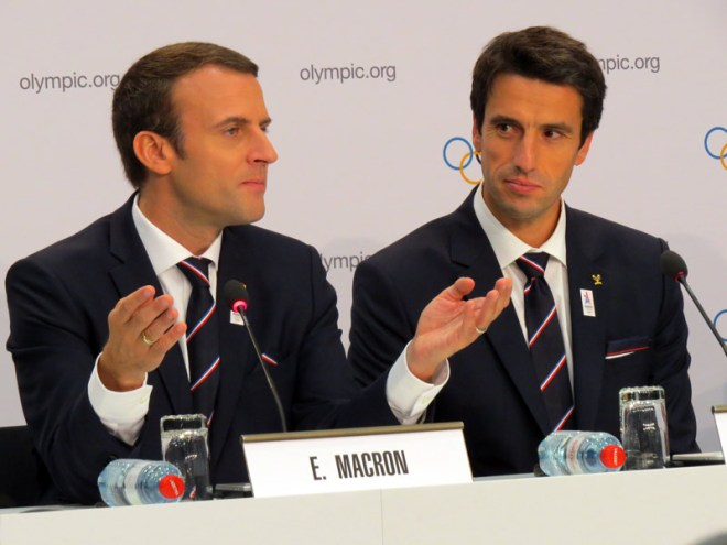 French President Emmanuel Macron (left) and Paris 2024 Co-Chair Tony Estanguet at press conference following Technical Briefing to IOC Members (GamesBids Photo)
