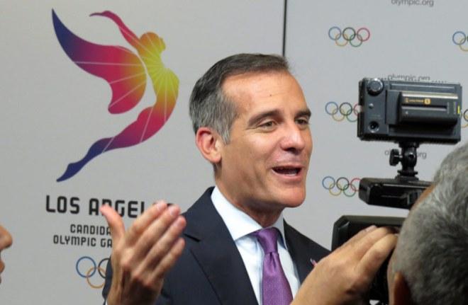 LA Mayor Eric Garetti following final presentation rehearsal at Lima Convention Center (GamesBids Photo)
