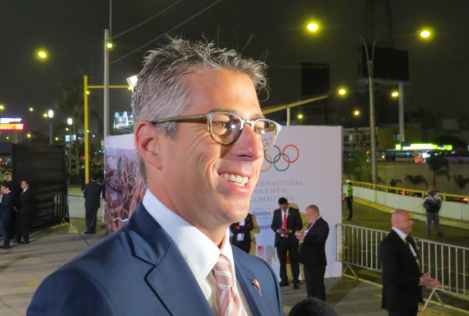 LA 2028 Bid Chair Casey Wasserman answers questions on red carpet (GamesBids Photo)