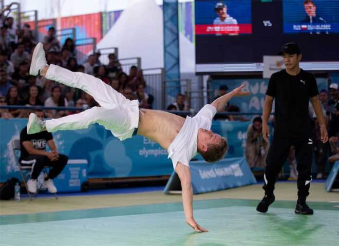 "Breaking B-boys ""battle"" competitor at the Buenos Aires 2018 Youth Olympic Games (IOC Photo)"