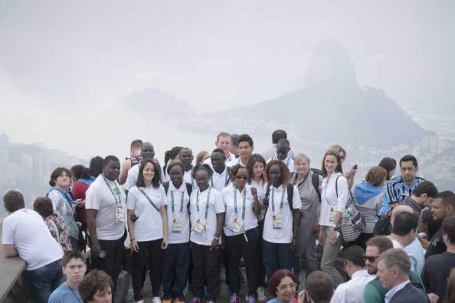 The Olympic Refugee team tours Rio ahead of their events at the 2016 Olympic Games (IOC Photo)