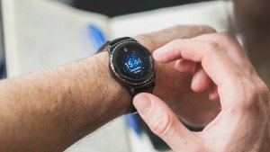 androidpit-Samsung-Gear-S2-14-w782
