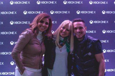 Η Πέγκυ Αντωνάκου, Διευθύνουσα Σύμβουλος της Microsoft Ελλάδας, Κύπρου και Μάλτας με την παρουσιάστρια Μαρία Μπεκατώρου και το χρυσό Ολυμπιονίκη, Λευτέρη Πετρούνια.