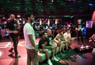 Ο παρουσιαστής, Γιώργος Μαυρίδης και ο ασημένιος Ολυμπιονίκης στο Τάε Κβον Ντο, Αλέξανδρος Νικολαΐδης, ο δημοσιογράφος, Γιώργος Λέντζας, και ο Ανδρέας Δερδεμέζης, στο Xbox Arena Festival powered by Πλαίσιο, που έγινε στις 23 και 24 Ιουνίου στο Gazi Music Hall.