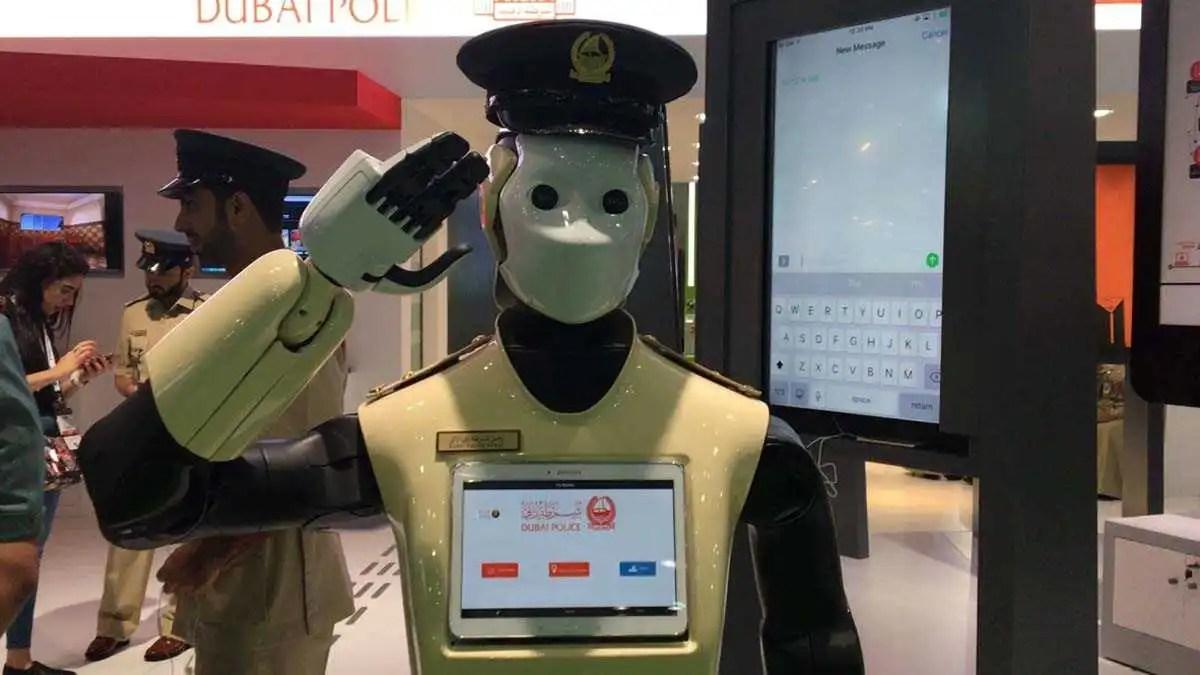 Dubai: l'obiettivo è portare in strada i Poliziotti-robot entro il 2030